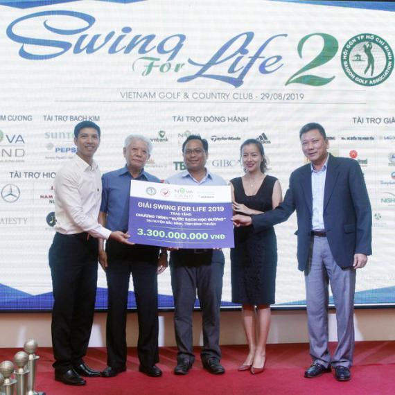 Quang Anh bảo vệ thành công ngôi vô địch giải Swing For Life 2019